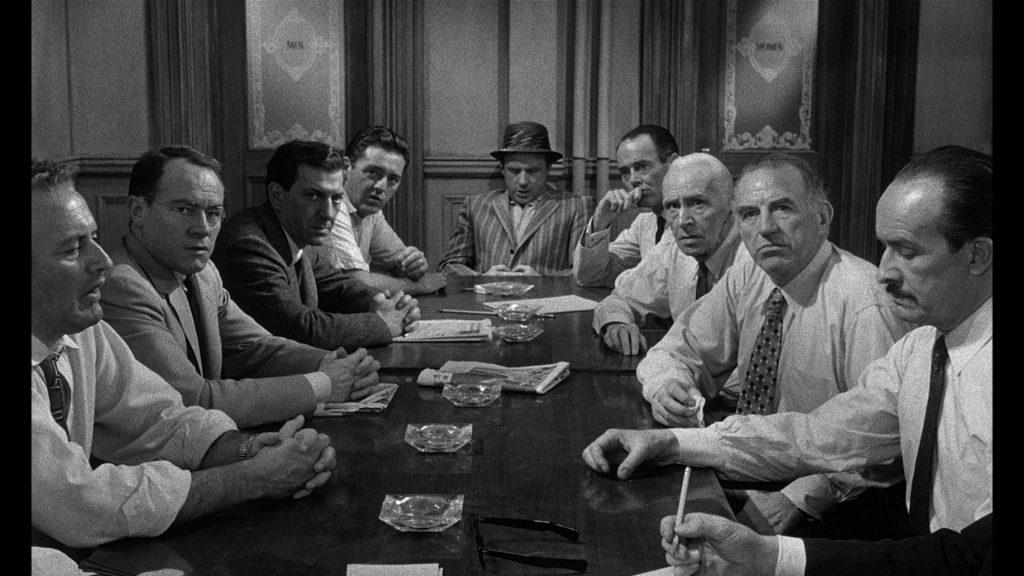 Doce hombres sin piedad | Cinemanet